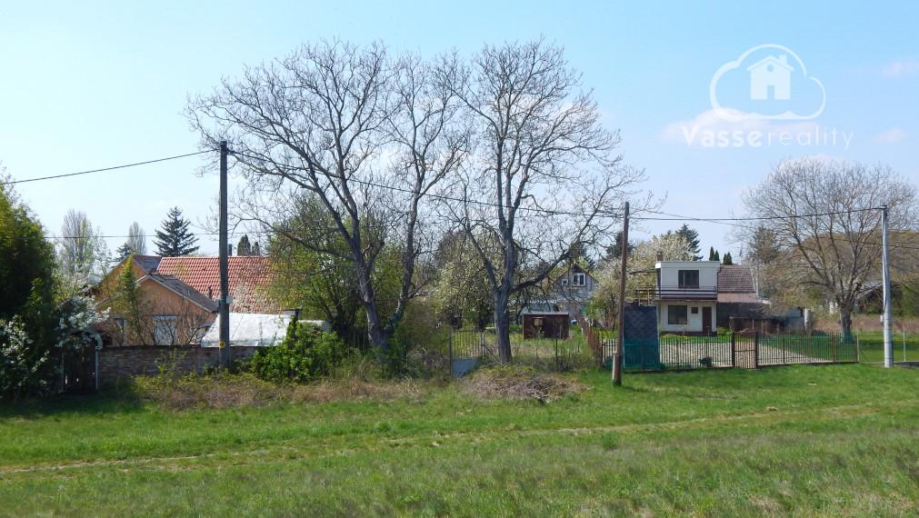 Ponúkame Vám na predaj záhradu  v rekreačnej oblasti pri jazere Čergov, 2km od mesta Kolárovo